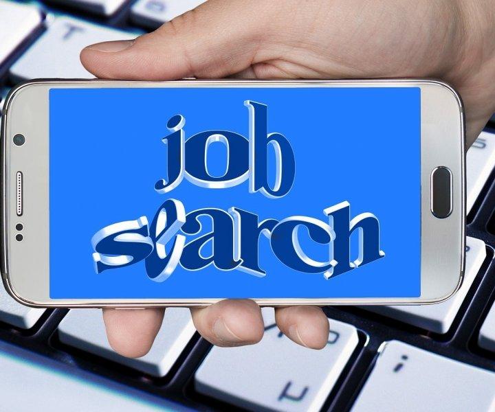 jak-szukac-pracy-przez-Internet-720x600